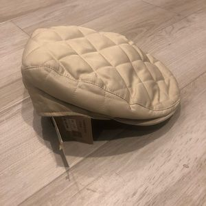 Burberry newboy hat